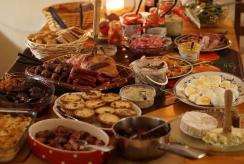 Aplink pasaulį: kaip skiriasi kalėdinis stalas įvairiose šalyse?