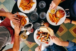 Kaip muzika restorane padeda mums mėgautis maistu?